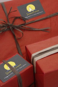 Red Gift Wrap Small240912112935